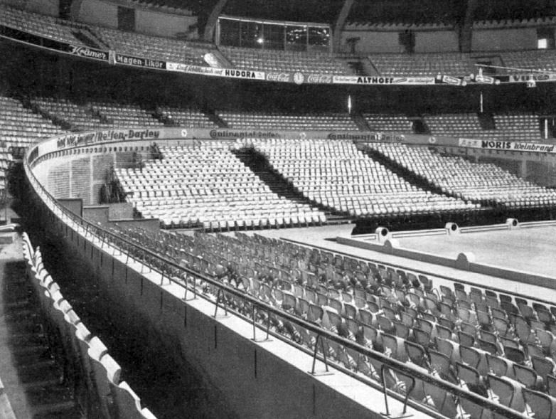 westfalenhalle-dortmund-mit folkwang-tribuehnen-klappstuhl-schlagheck-design-archiv-800w